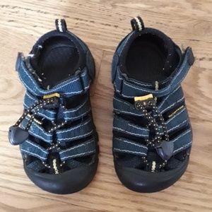 Keen Waterproof Water Shoes EUC Size 8